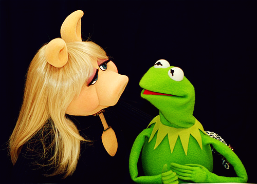 Miss-Piggy-and-Kermit cute