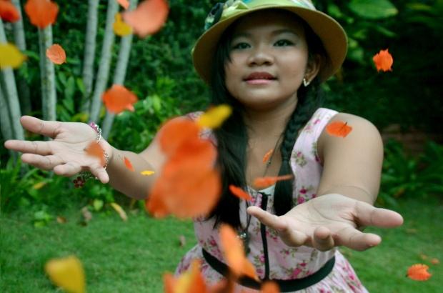 falling petals_jazlyn